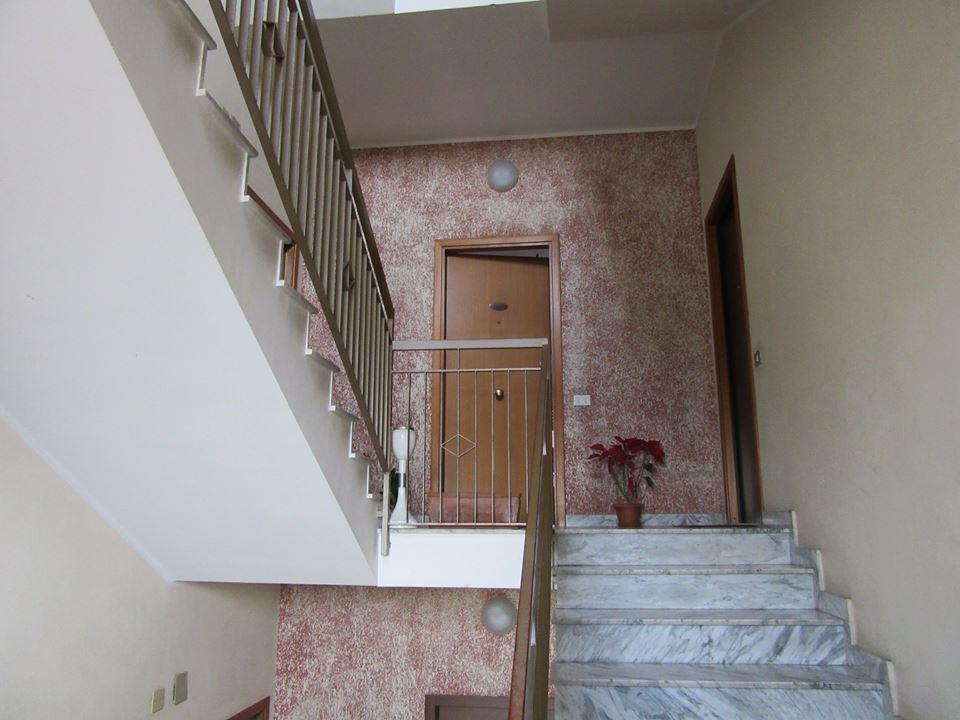 Ampio appartamento e posto auto pressi Etnapolis