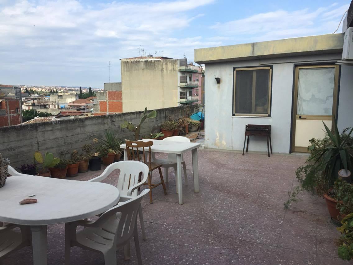 Ampio appartamento con garage e terrazza via Garibaldi