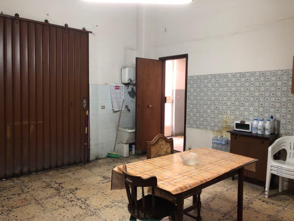 Deposito/garage via Marchese