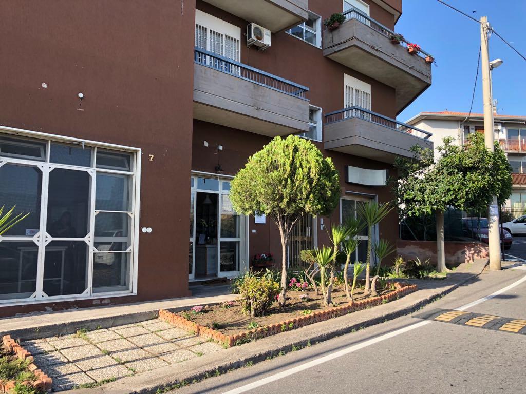 Ampio appartamento con terrazza viale della Regione