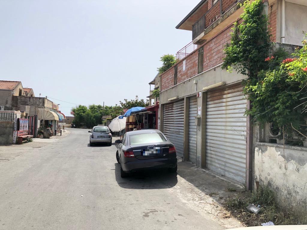 Bottega a Vaccarizzo villaggio Cielo Azzurro